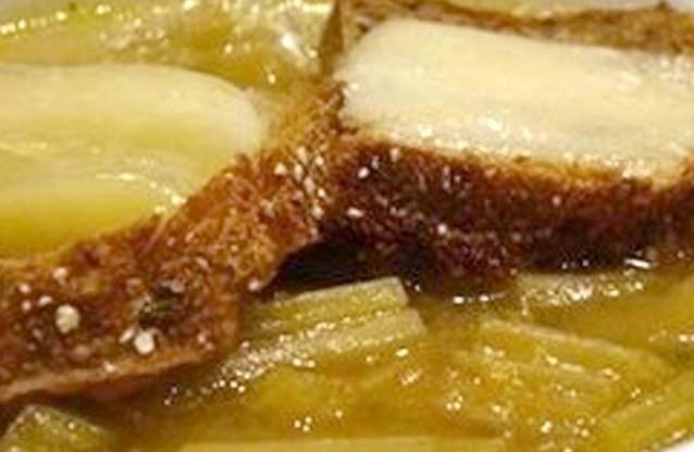 Zuppa di cardi e pane nero