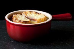 Zuppa di formaggio e sedano