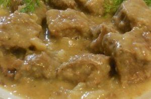 Spezzatino di vitello in bianco con salsa