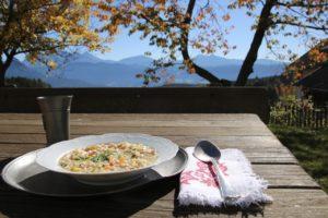 Zuppa di orzo speck e verdure