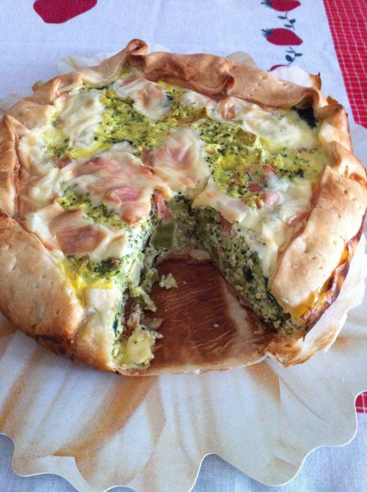 Pizza rustica svuota frigo di Monica