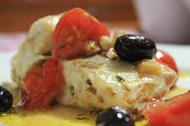 Orata in salsa di capperi e olive nere