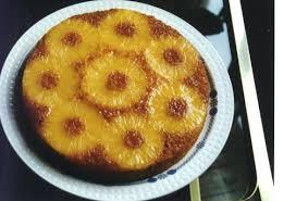 Torta all'ananas sciroppata