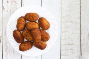 Crocchette di patate al prosciutto e noci