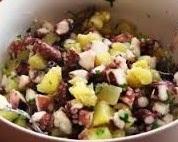 Insalata di polpo con patate e olive nere