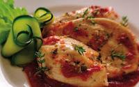 Filetti di petto di pollo con zucchine e pomodorini
